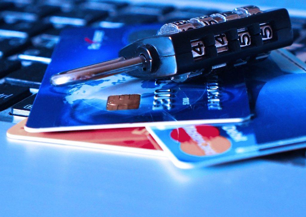 クレジットカードの不正利用の原因と対策.jpg